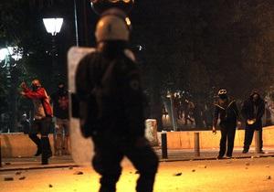 В Афинах произошли беспорядки после самоубийства пенсионера
