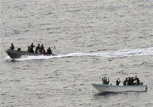 ТВ: Сомалийские пираты освободили судно с украинцами на борту