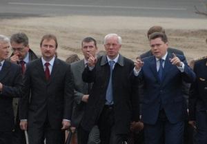 Азаров сегодня откроет автомобильное движение по Дарницкому мосту в Киеве
