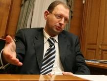Яценюк: Коалиция продолжает существовать