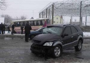 ДТП в Днепропетровской области: 1 человек погиб, 11 пострадали