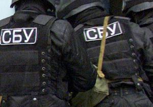 Сотрудники СБУ в одном из гаражей Киева выявили снаряды и человеческие останки времен войны