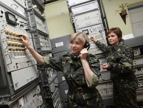 Корреспондент исследовал женский бум в украинской армии