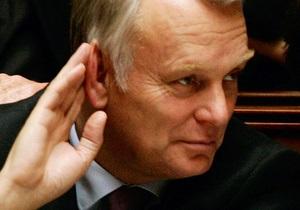 Премьер: Франция обеспечивает сирийских повстанцев средствами связи и защиты