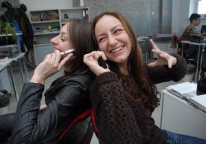 Опрос: Свыше 70% украинцев никогда не откажутся от мобильных телефонов