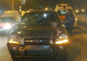 В Луганске водитель джипа сбил двоих человек на пешеходном переходе