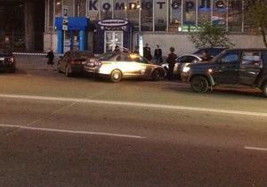 Улица в центре Киева перекрыта из-за угрозы взрыва
