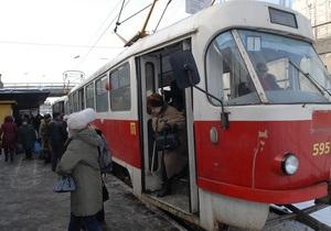 Кернес поручил повысить стоимость проезда в трамваях и троллейбусах