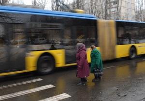 Киевские власти просят Кабмин выделить на дорогах столицы полосы для общественного транспорта