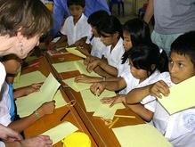 В Эквадоре 55 школьников стали жертвами массовой истерики