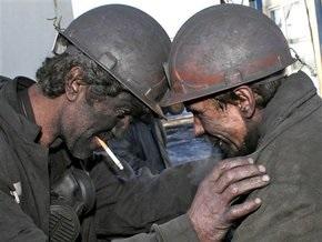 Бастующие шахтостроители согласились подняться из шахты