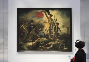 В филиале Лувра посетительница исписала маркером картину Делакруа