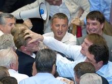Народные депутаты Украины устроили больше полусотни драк