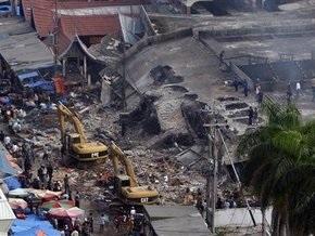Землетрясение в Индонезии: под завалами остаются до трех тысяч человек