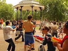 Флэш-моб в Лондоне превратился в масштабные столкновения с полицией