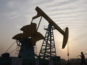 Рынок сырья: Нефть взяла отметку в 62 доллара, золото ускоряет разбег