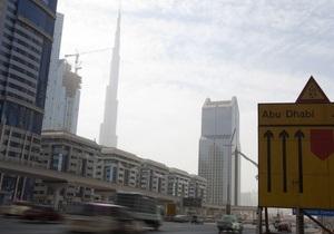 В Абу-Даби регулировать скорость машин будут с помощью красного асфальта