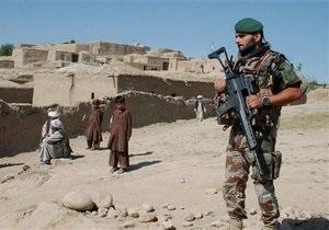 В Афганистане в ходе боя талибов с полицейскими солдаты НАТО случайно убили двоих детей