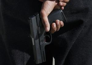 В Киеве неизвестные обстреляли автомобиль журналиста сайта Обозреватель