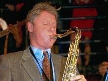 Билл Клинтон передал свой знаменитый саксофон в музей джаза
