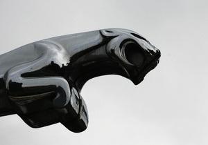В Киеве двое мужчин пытались угнать автомобиль Jaguar
