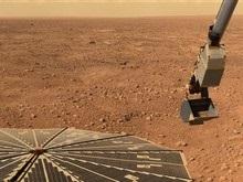 Феникс начал анализ марсианской почвы