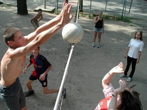 Киевские власти могут уничтожить спортшколы - Павленко