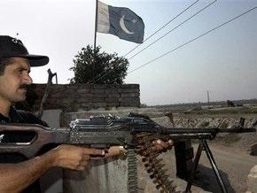 Полиция Пакистана отбила атаку боевиков на дом мэра