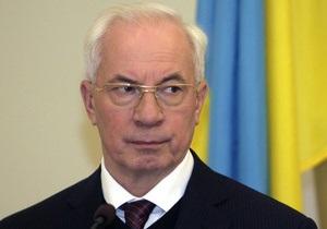 Азаров утверждает, что дефицита муки нет