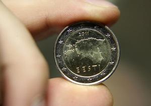 Межбанк: доллар дешевеет, евро - у максимума четырех месяцев