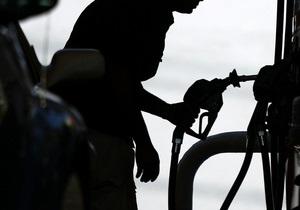 Власти оспорили в суде разрешение Ливелы на безакцизный импорт бензина