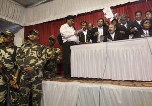 Индийский суд разделил священное для индуистов место на три части