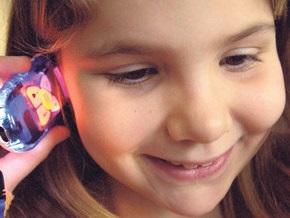 Ученые: Пользование мобильным с детства может привести к раку мозга