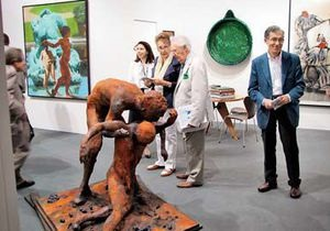 Мнение: Пока зарубежные богачи собирают шедевры искусства, украинцы меряются дорогими автомобилями и часами