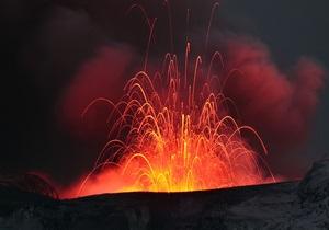 Извержение вулкана в Исландии перешло в новую фазу