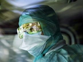 В России число заболевших свиным гриппом перевалило за три тысячи, 14 человек умерли