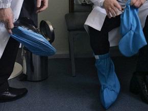 БЮТ: В киевских больницах появятся автоматы по продаже бахил