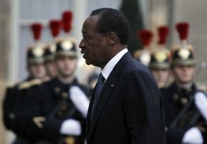 Президент Буркина-Фасо покинул столицу из-за бунта военных