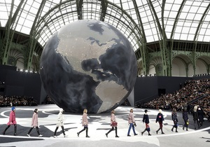 Фотогалерея: Paris Fashion Week. Показы Chanel и Hermes