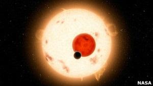 Найдена планета, которую освещают четыре солнца