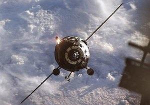 Новости науки - новости космоса - МКС: Антенна Прогресса не раскрылась из-за клея
