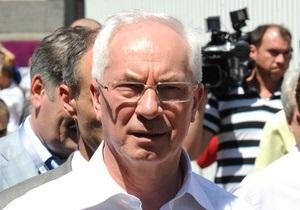Матч Украина-Франция: Азаров намерен поспорить с французами на коньяк