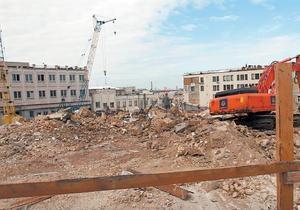 Снесенные здания на Андреевском спуске не представляют исторической ценности - власти