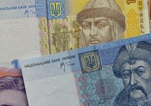 Гривна вступила в схватку с долларом, евро плавно растет