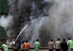 В Шанхае сгорело 28-этажное здание: восемь погибших
