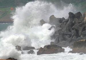 В Гонконге из-за тайфуна остановлены торги на фондовой бирже