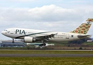 Пакистанский авиалайнер экстренно сел в Москве