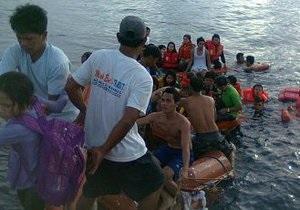 Возле Филиппин паром с сотнями пассажиров столкнулся с грузовым судном, есть жертвы