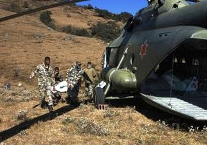 Выживший после крушения самолета в Непале пассажир скончался по дороге в больницу