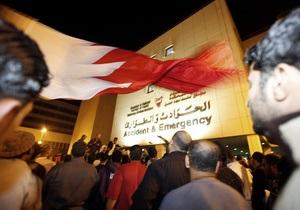 В Бахрейне тысячи протестующих провели ночь на главной площади столицы